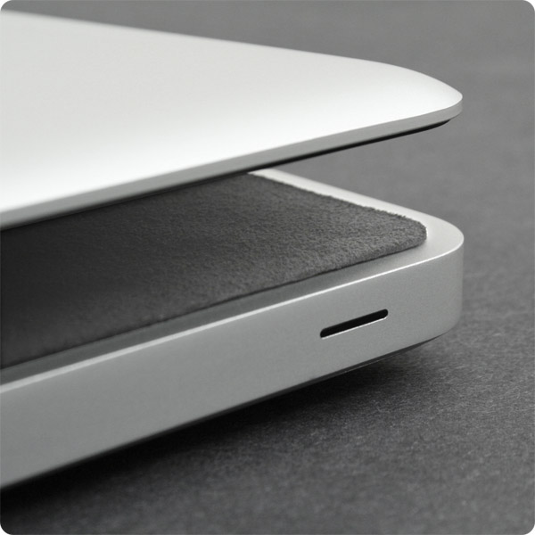 ScreenSavrz for MacBook Air: Stays inside laptop during travel (Gray)