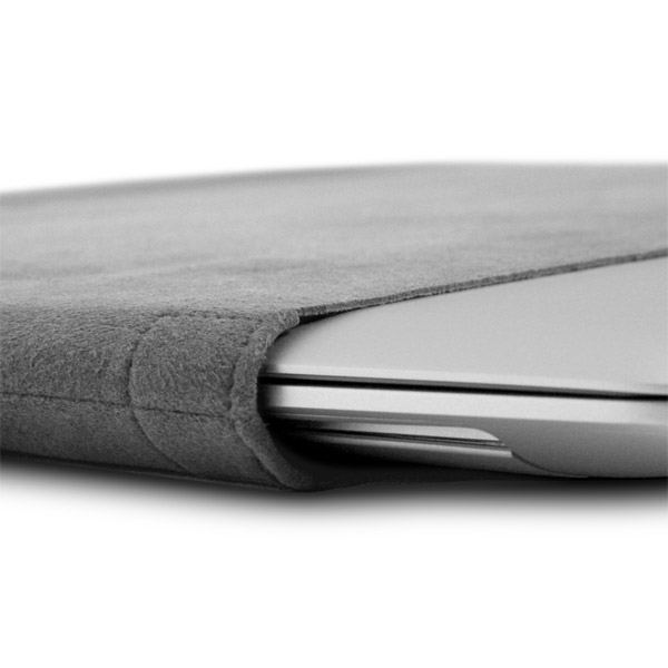 MacBook Air: Fit detail (Gray)