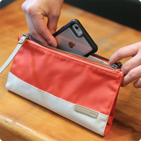 STM Grace Clutch: Perfect for smartphones (Coral)